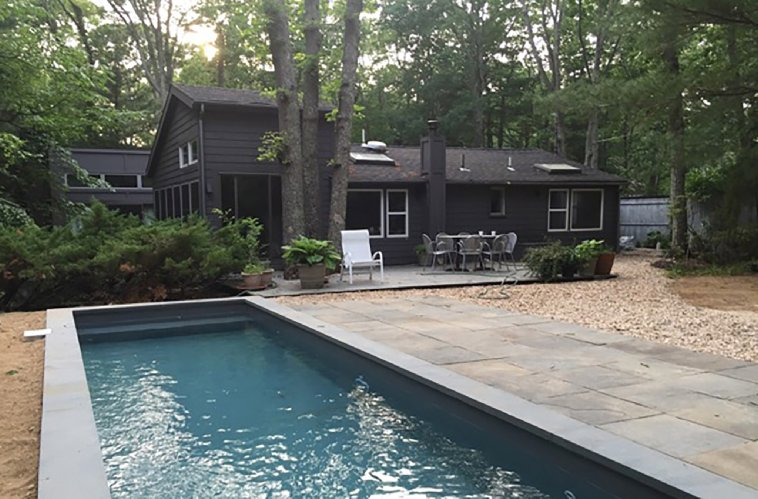 Additional photo for property listing at Modern Cottage East Hampton With Pool  East Hampton, New York