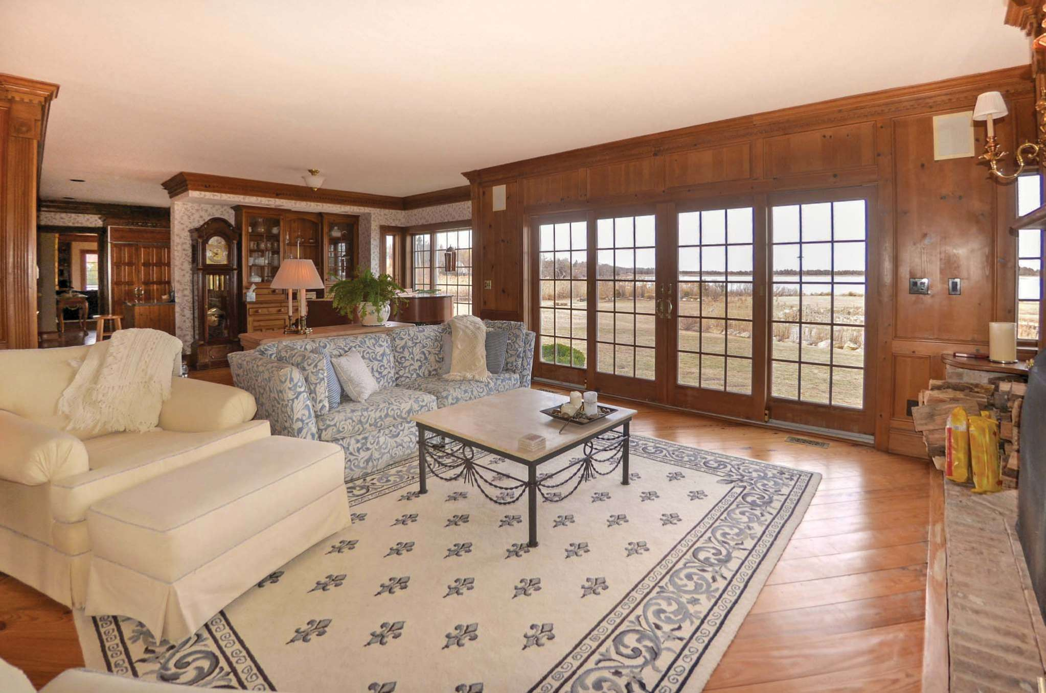 Additional photo for property listing at Shelter Island Harbor Front Estate With Boat Basin And Dock  Shelter Island, Nueva York