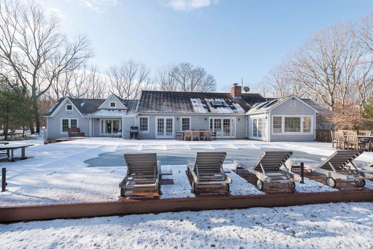 Additional photo for property listing at Pool And Tennis In Water Mill  Southampton, Nueva York