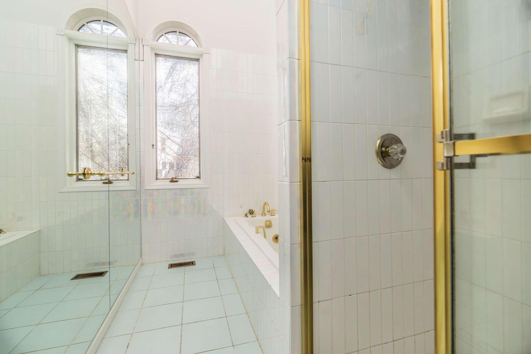 Additional photo for property listing at Close To East Hampton Village  East Hampton, Nueva York