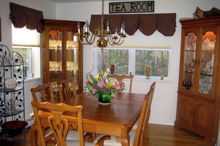 Additional photo for property listing at Perfect Southampton Vacation Home  南安普敦, 纽约州