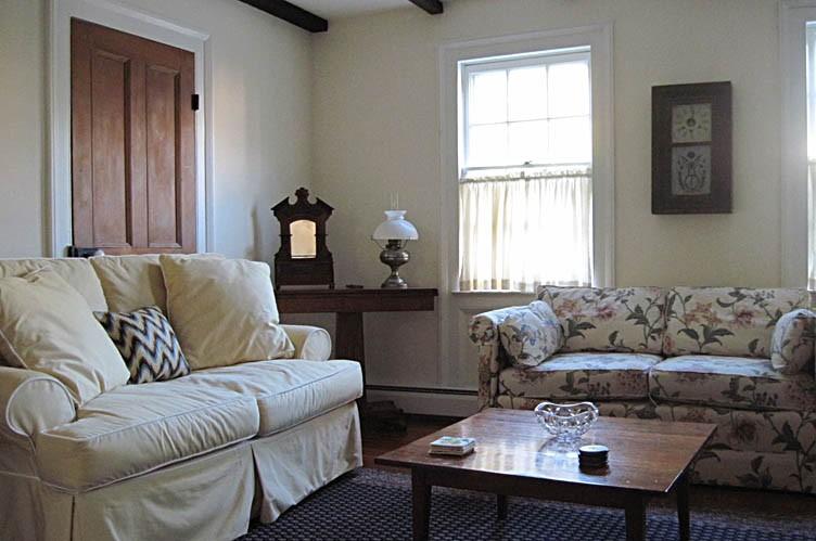 Additional photo for property listing at Tasteful Cape In Sag Harbor Village  萨格港, 纽约州