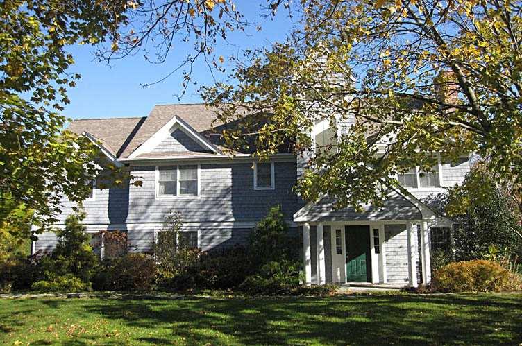 Casa Unifamiliar por un Alquiler en Dynamite Village Location Quogue, Nueva York