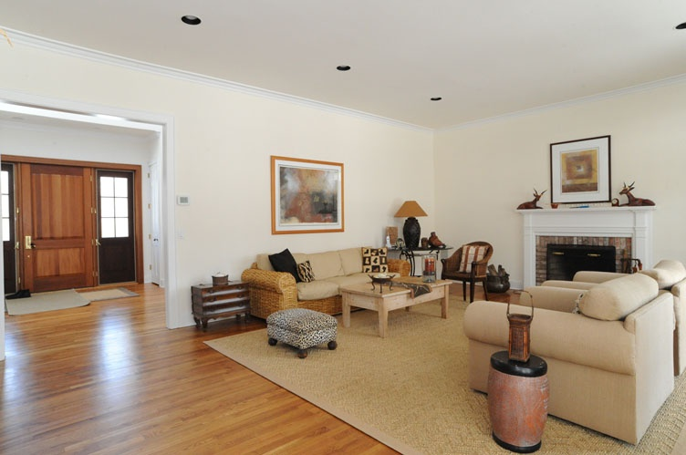 Additional photo for property listing at South Of The Highway Traditional In Bridgehampton  汉普顿, 纽约州