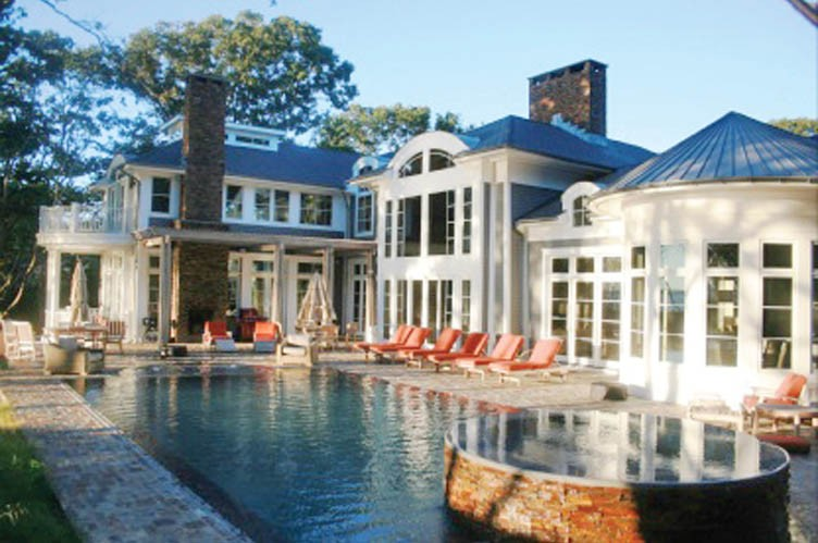 Additional photo for property listing at Grand Waterfront Estate In North Haven  Sag Harbor, New York