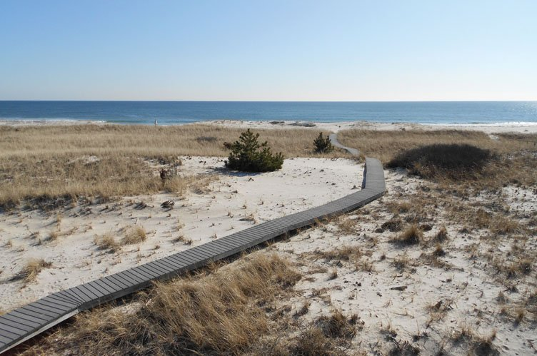 Additional photo for property listing at Oceanfront Paradise  Westhampton Beach, New York