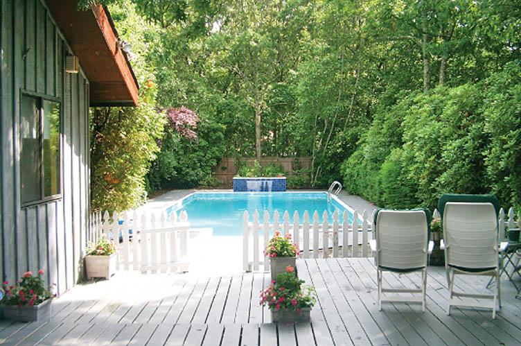 Additional photo for property listing at Easy East Hampton Summer  East Hampton, New York