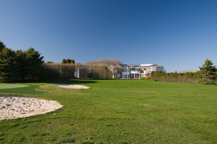 Additional photo for property listing at Extraordinary Estate On Jule Pond  南安普敦, 纽约州