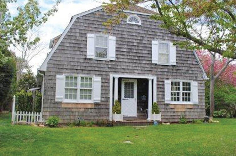 Additional photo for property listing at Amagansett Dunes Beach Cottage  Amagansett, Nueva York