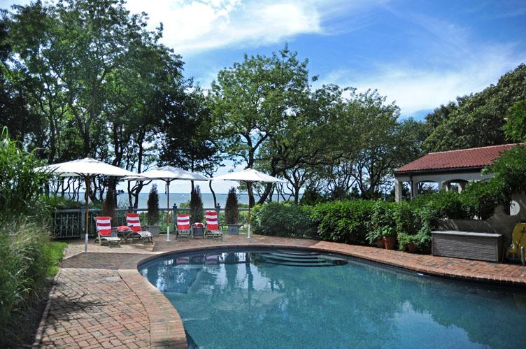 Additional photo for property listing at Sunset Views From This European Style Waterfront Villa  Sag Harbor, New York