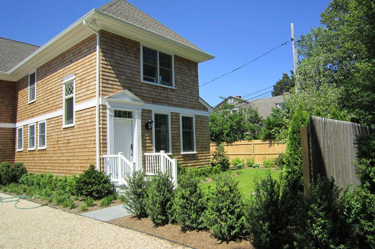 Additional photo for property listing at Southampton Village Town House  南安普敦, 纽约州
