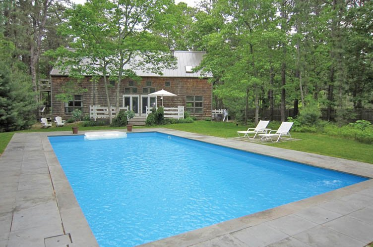 Additional photo for property listing at East Hampton Barn  East Hampton, Nueva York