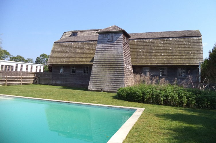 Additional photo for property listing at Sagaponack Farmhouse With Gunite Pool  Sagaponack, New York