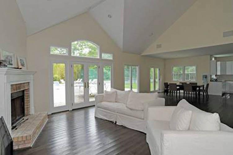 Additional photo for property listing at Southampton  Southampton, New York