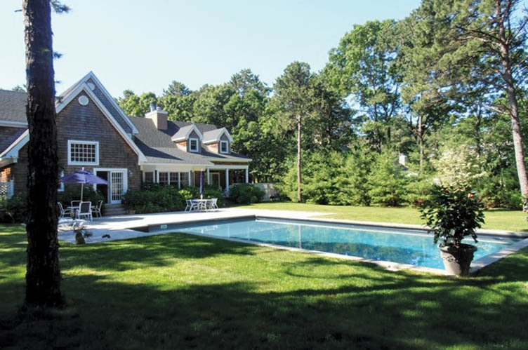 Casa Unifamiliar por un Venta en Sunny And Open Traditional In Wainscott North Wainscott, Nueva York