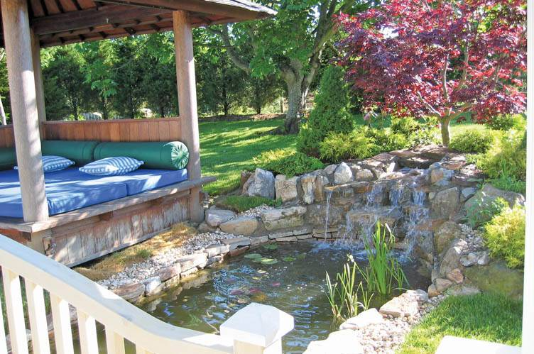 Additional photo for property listing at South Of The Highway-Central And Convenient  Water Mill, New York