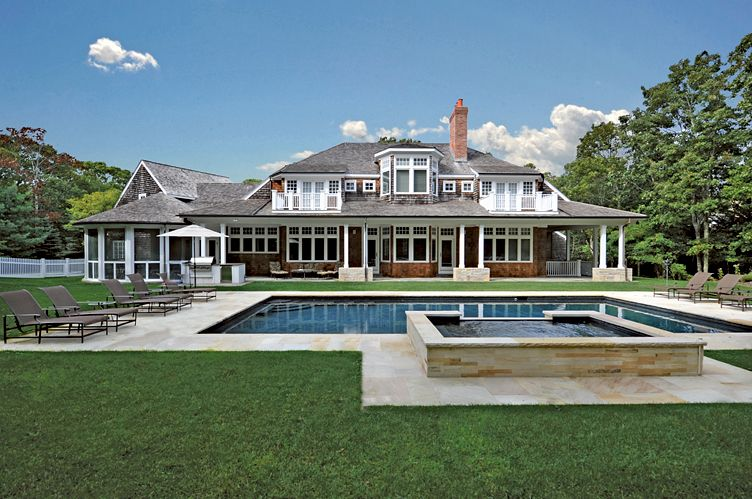 Additional photo for property listing at Beautifully Appointed Southampton Home  Southampton, New York