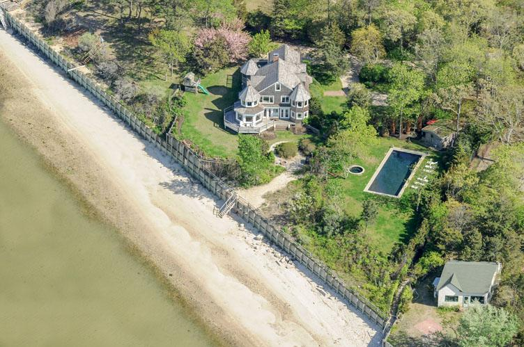 Casa Unifamiliar por un Alquiler en Great Peconic Bay Estate Hampton Bays, Nueva York