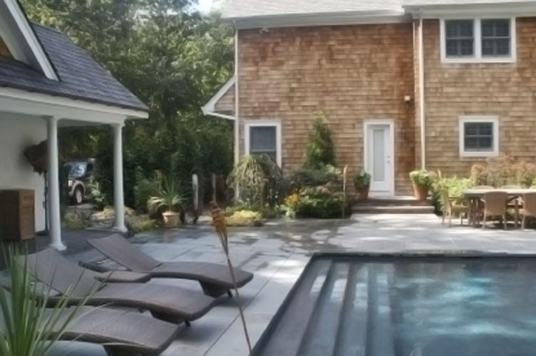 Additional photo for property listing at Southampton Traditional  Southampton, Nueva York