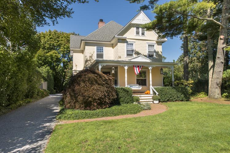 Casa Unifamiliar por un Alquiler en Bridgehampton Village Bridgehampton, Nueva York