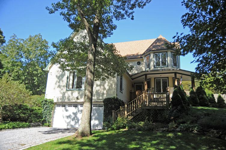 Additional photo for property listing at Southampton North  Southampton, New York