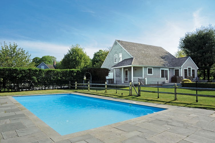 Additional photo for property listing at Bridgehampton Beach House Close To Everything  汉普顿, 纽约州