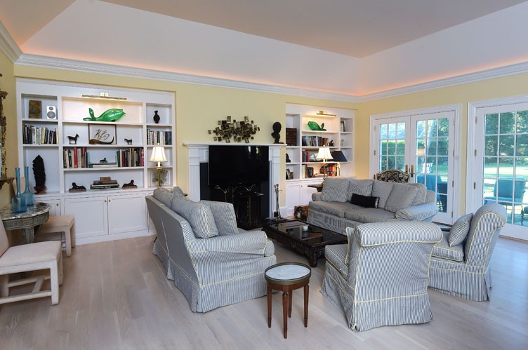 Additional photo for property listing at Location, Location, Location  Southampton, Nueva York