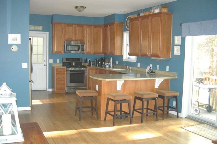 Additional photo for property listing at Sag Harbor Bay Front Summer  Sag Harbor, New York
