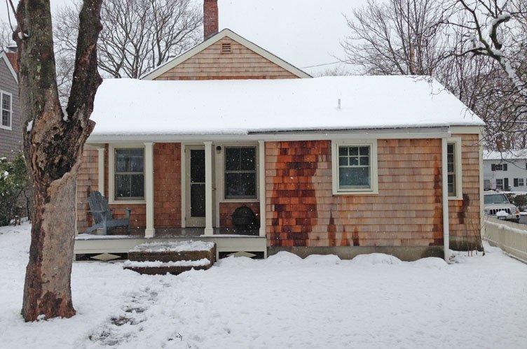Additional photo for property listing at Updated Sag Harbor Village Rental  萨格港, 纽约州
