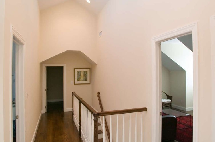 Additional photo for property listing at Four Bedroom Townhouse South Of The Highway - Golfer's Paradise  Southampton, Nueva York