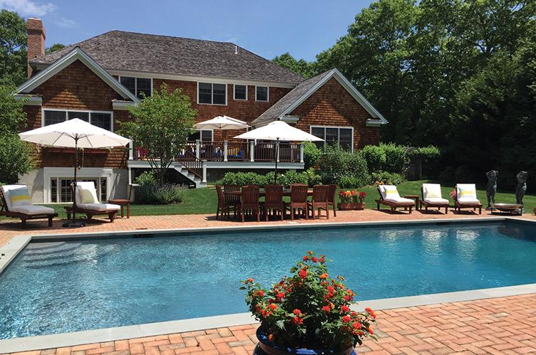 Additional photo for property listing at Fabulous Northwest Post Modern With Tennis  East Hampton, New York