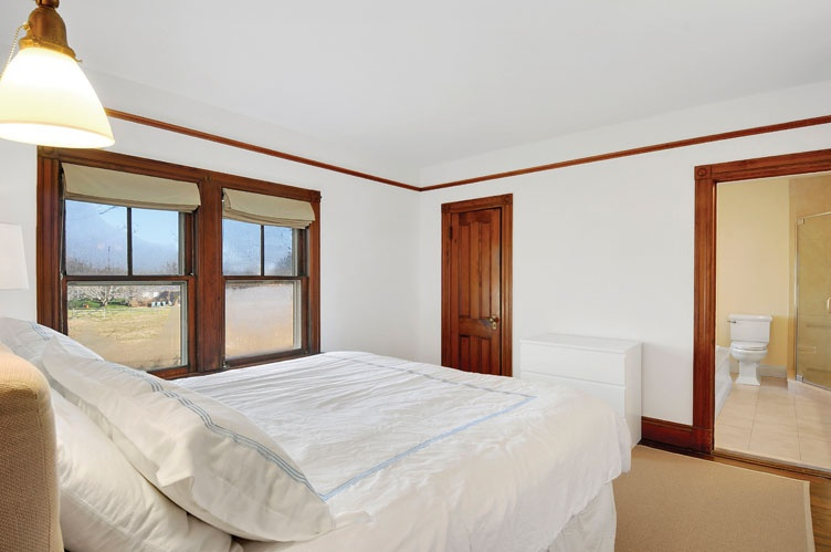 Additional photo for property listing at Sagaponack Farmhouse Near Ocean Beach  Sagaponack, Nueva York