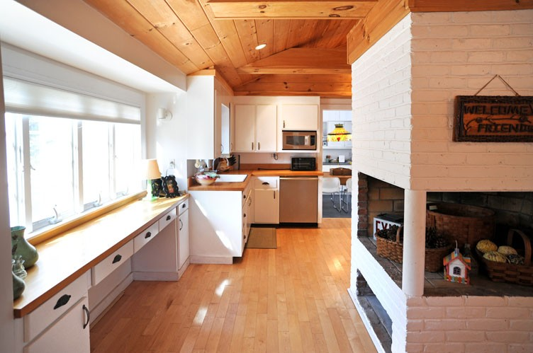 Additional photo for property listing at Unique Retreat In The Dunes  Amagansett, New York