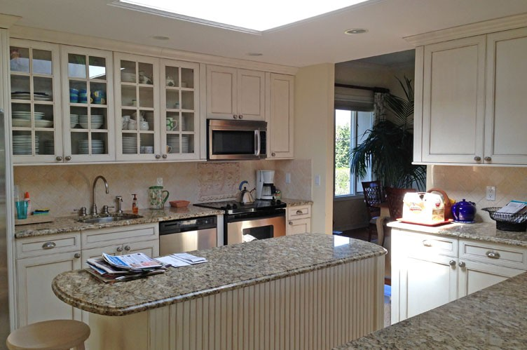 Additional photo for property listing at Dynamite Village Rental  Westhampton Beach, New York