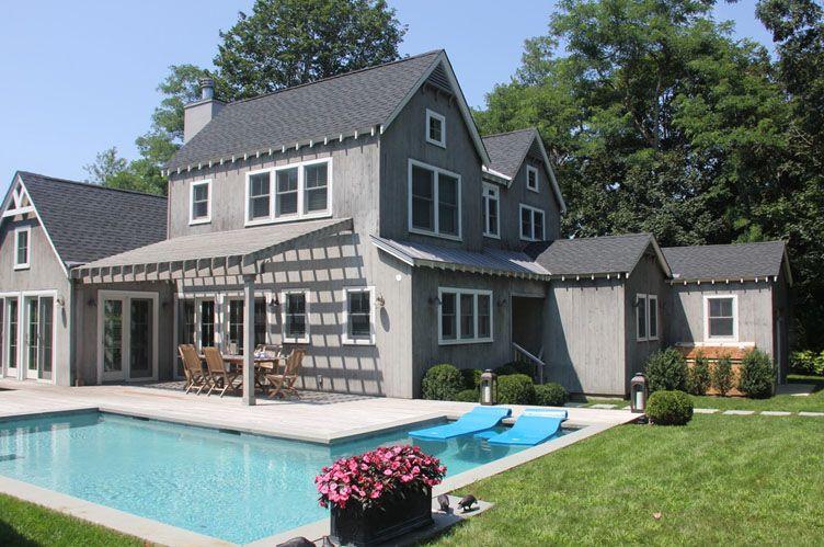 Casa Unifamiliar por un Alquiler en Traditional With A View East Hampton, Nueva York