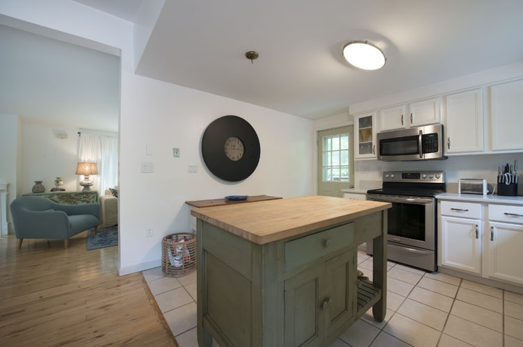 Additional photo for property listing at Near East Hampton Village And Beaches  East Hampton, Nueva York
