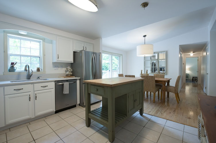 Additional photo for property listing at Near East Hampton Village And Beaches  East Hampton, New York