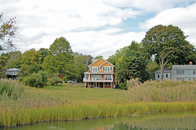 Additional photo for property listing at Shelter Island Traditional With Dock, Pool And Solar Heat  Shelter Island, New York