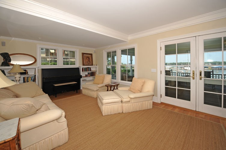 Additional photo for property listing at Shelter Island Dering Harbor Front Delight  谢尔顿岛, 纽约州