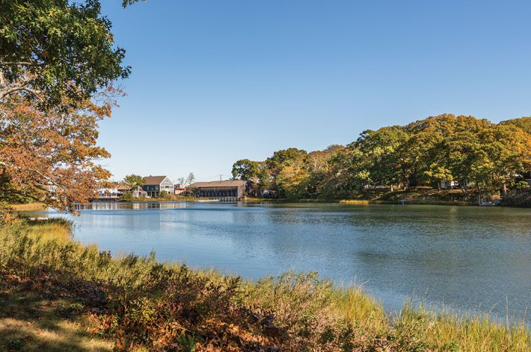 Additional photo for property listing at Shelter Island Heights Creek View  Shelter Island Heights, New York