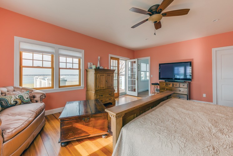 Additional photo for property listing at South Shore Shelter Island Beauty  Shelter Island, Nueva York