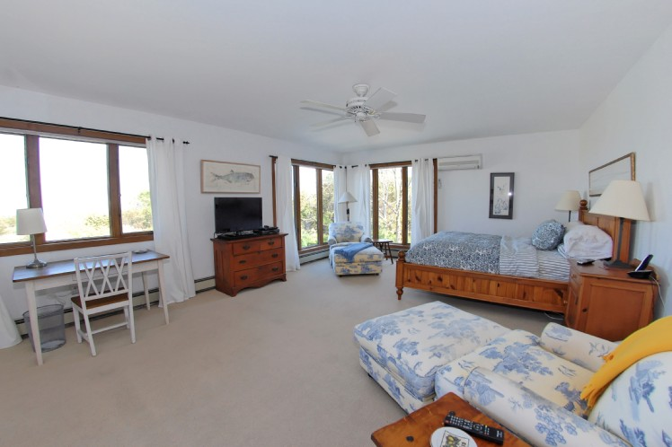 Additional photo for property listing at Shelter Island Serenity On Gardiners Bay  谢尔顿岛, 纽约州