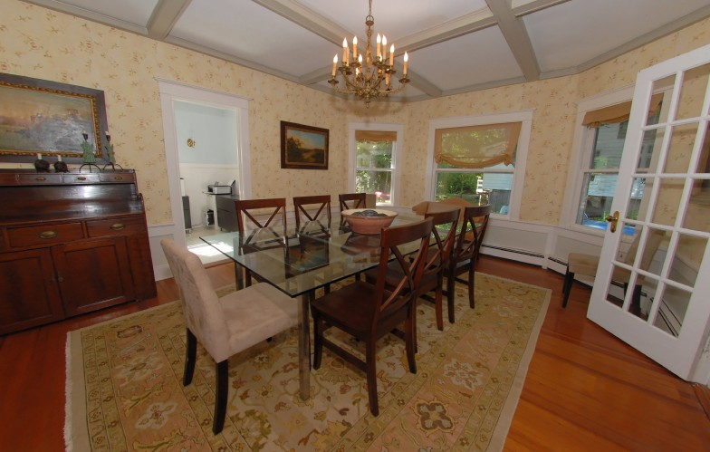 Additional photo for property listing at Shelter Island Creek View Victorian  Shelter Island, Nueva York