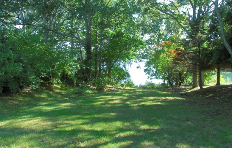 Additional photo for property listing at Pastoral Shelter Island Farmhouse Bliss  Shelter Island, Nueva York