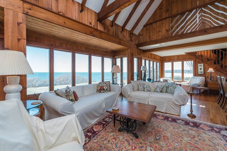 Additional photo for property listing at Stunning Shelter Island Little Ram Waterfront With Pool  Shelter Island, New York