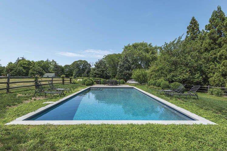 Casa Unifamiliar por un Alquiler en Sleek Shelter Island With Pool, Preserve And Water Rights Shelter Island, Nueva York