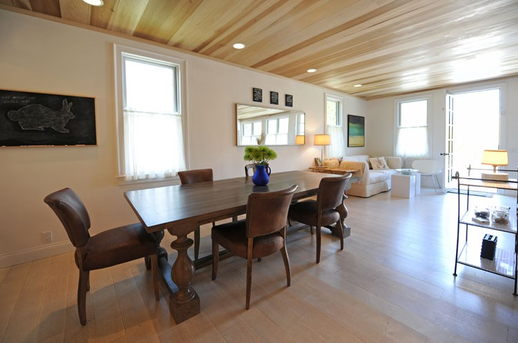 Additional photo for property listing at New Construction In Bridgehampton Village  汉普顿, 纽约州