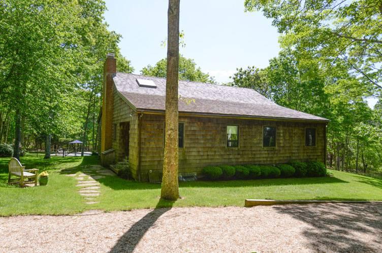 Additional photo for property listing at Quiet Street Close To Bridgehampton Village  Bridgehampton, Nueva York