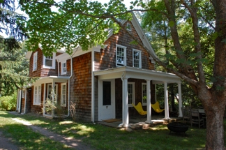Additional photo for property listing at Shelter Island 1850's Farmhouse  Shelter Island, New York