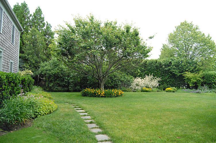 Additional photo for property listing at Sunny Traditional In Hamlet Of Bridgehampton North  汉普顿, 纽约州